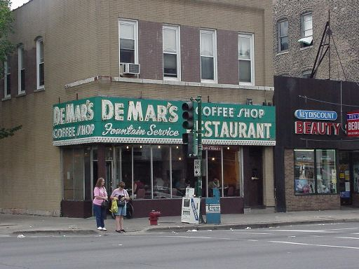 De Mar's coffee shop restaurant