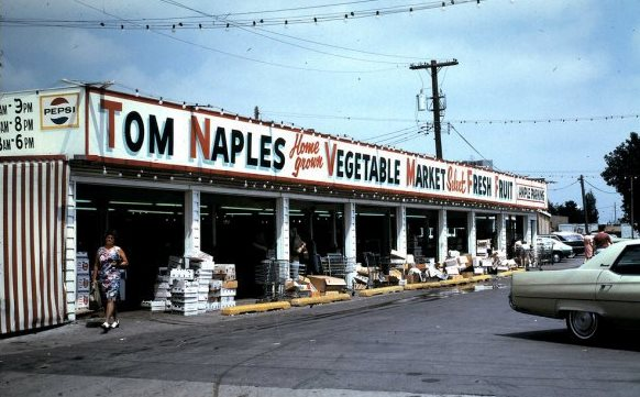tom naples fruit stand melrose park